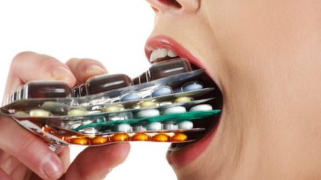 1354464920_Medicamentos_maos_454.png